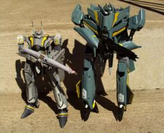 AstroPlan VF-10 & Macross VF-25S comparison