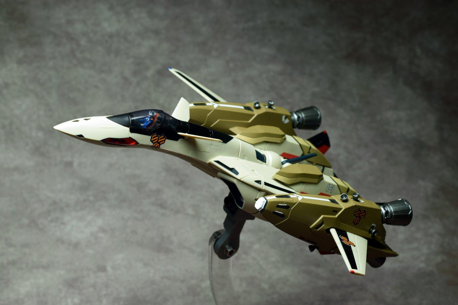 YF-19 w/TREX 8
