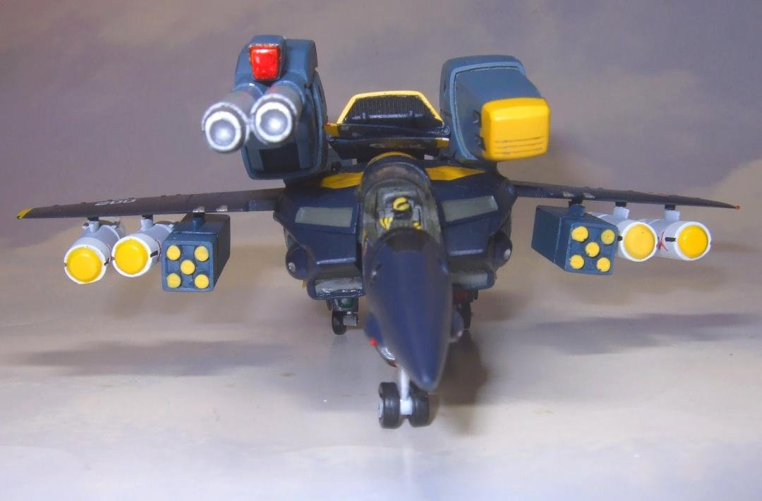 Yellow Submarine 1-100 VF-1S Strike Completed (9).jpg