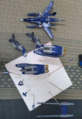 VF-25G Tornado (1).jpg