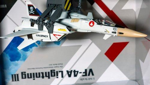1379647918_Macross-Arcadia-VF-4A-08557.jpg.e5e6ca5a2cb37892e7011c1d1a7a1a5d01.thumb.jpg.06a7e29d5196541f05c091233ff2a07a.jpg