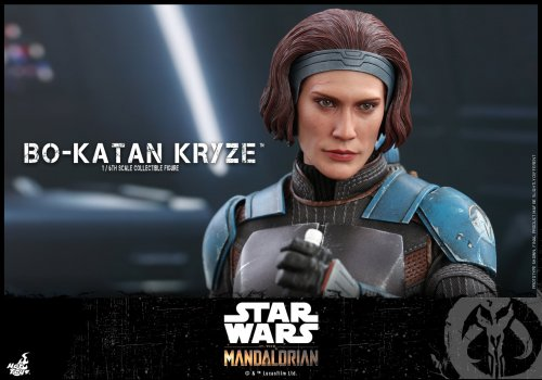 Hot-Toys-Bo-Katan-Figure-015.jpg