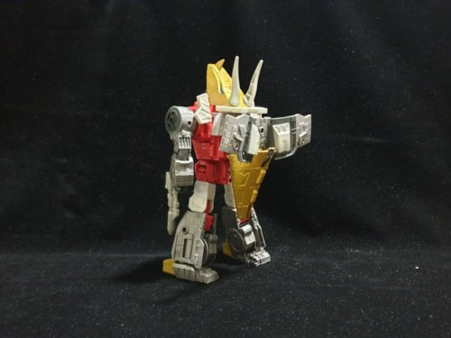 440382481_TransformersStudioSeries86SlagandDanielExo-Suit(2)__scaled_800.thumb.jpg.469042499567574e6abde7c9cc272e25.jpg