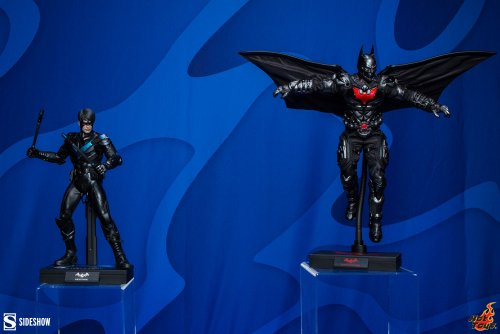 DC-Hot-Toys-Nightwing-and-Batman-Beyond-Sixth-Scale-Figure-1.jpeg